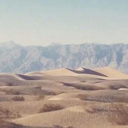 A vast desert scene photographed by Jason Laudat