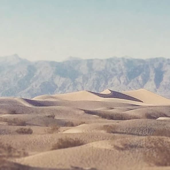 A vast desert scene photographed by Jason Laudat