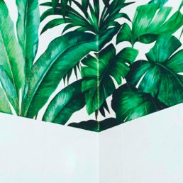 Leafy green wallpaper